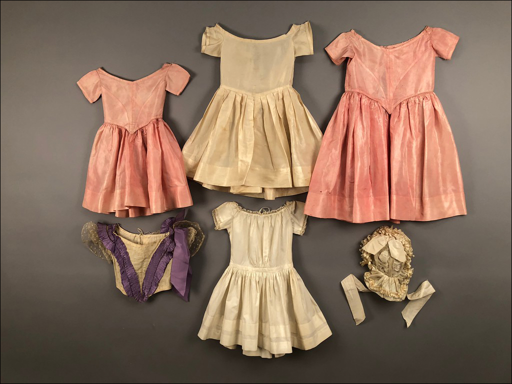 Helen Larson Collection, Royal Items