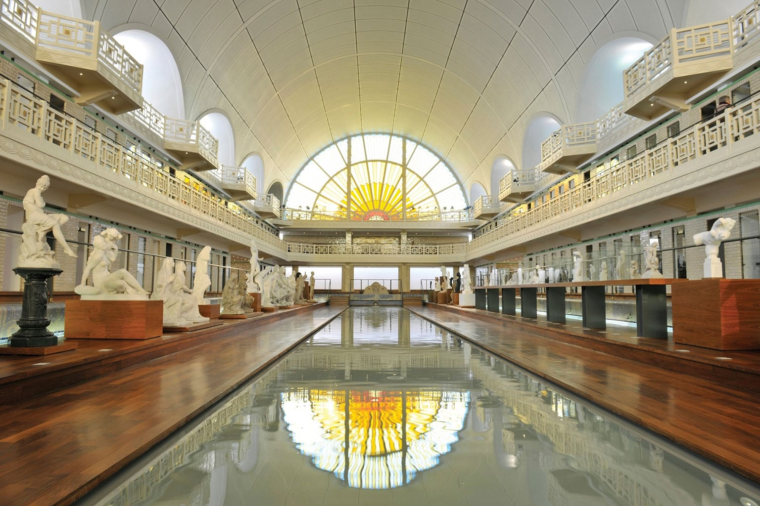 Art fund art deco and nouveau in lille and antwerp for Piscine lille
