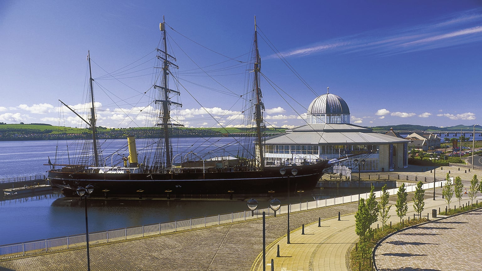 4. Discovery Point and Royal Research Ship Discovery, Dundee - Free entry and exhibitions with National Art Pass