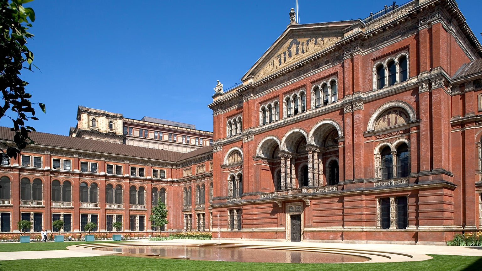 1. Victoria and Albert Museum, London - 50% off exhibitions with National Art Pass