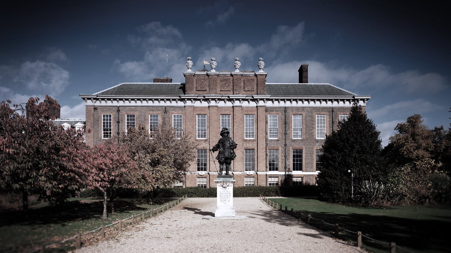 1) Kensington Palace, London - Free entry with National Art Pass
