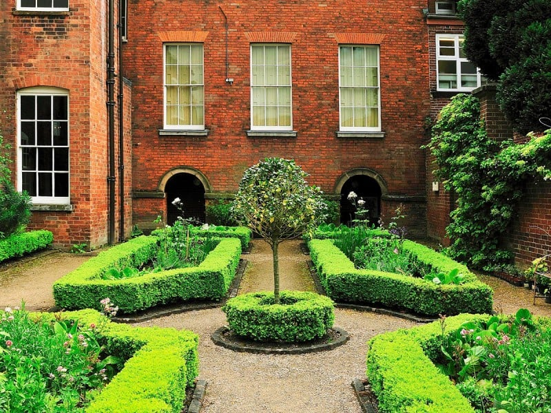 2. The constant gardener - Pickford's House Museum, Derbyshire