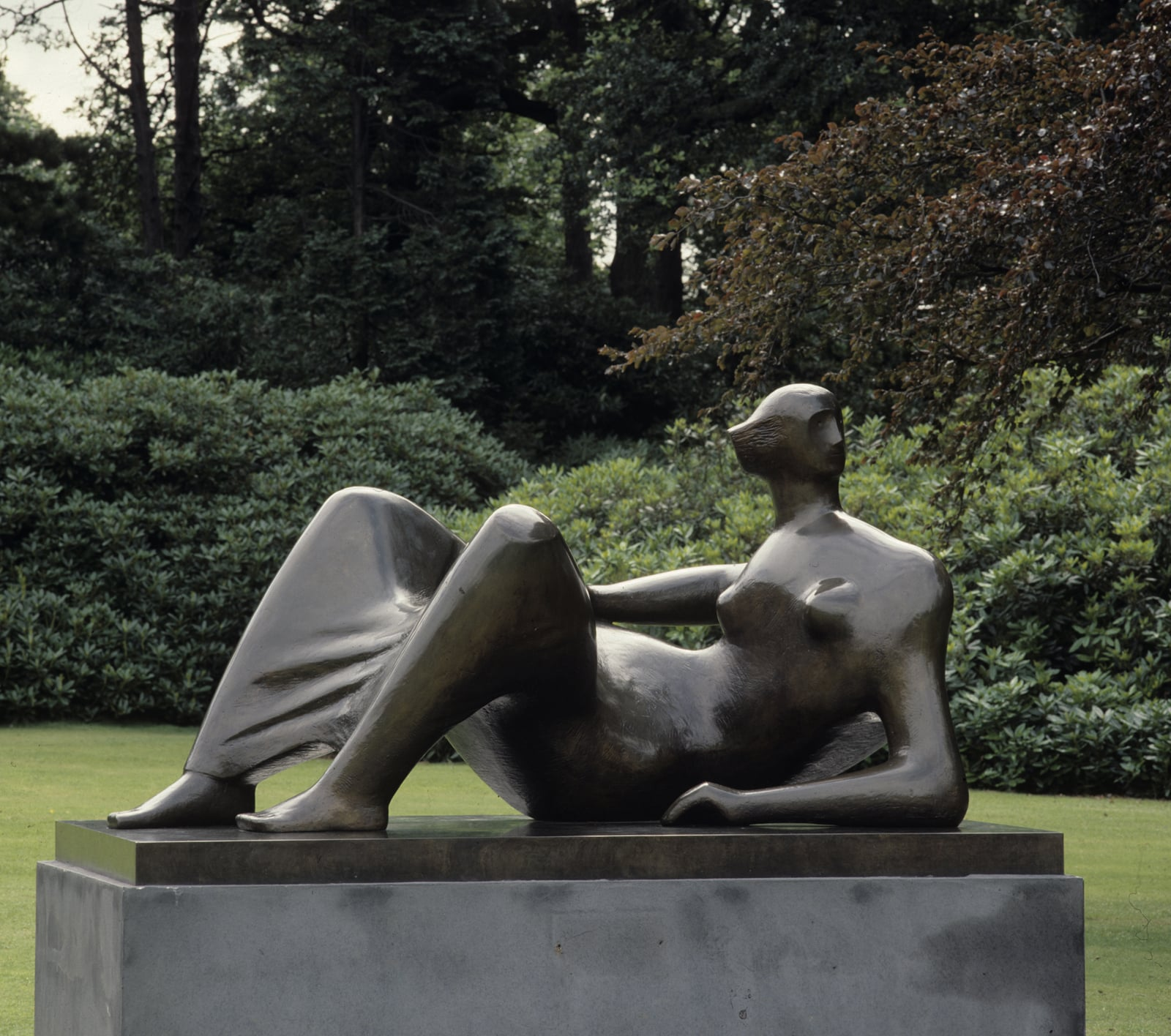 1. Henry Moore: Back to a Land, Yorkshire Sculpture Park - Henry Moore, Reclining Figure Angles, 1979. Reproduced by permission of the Henry Moore Foundation