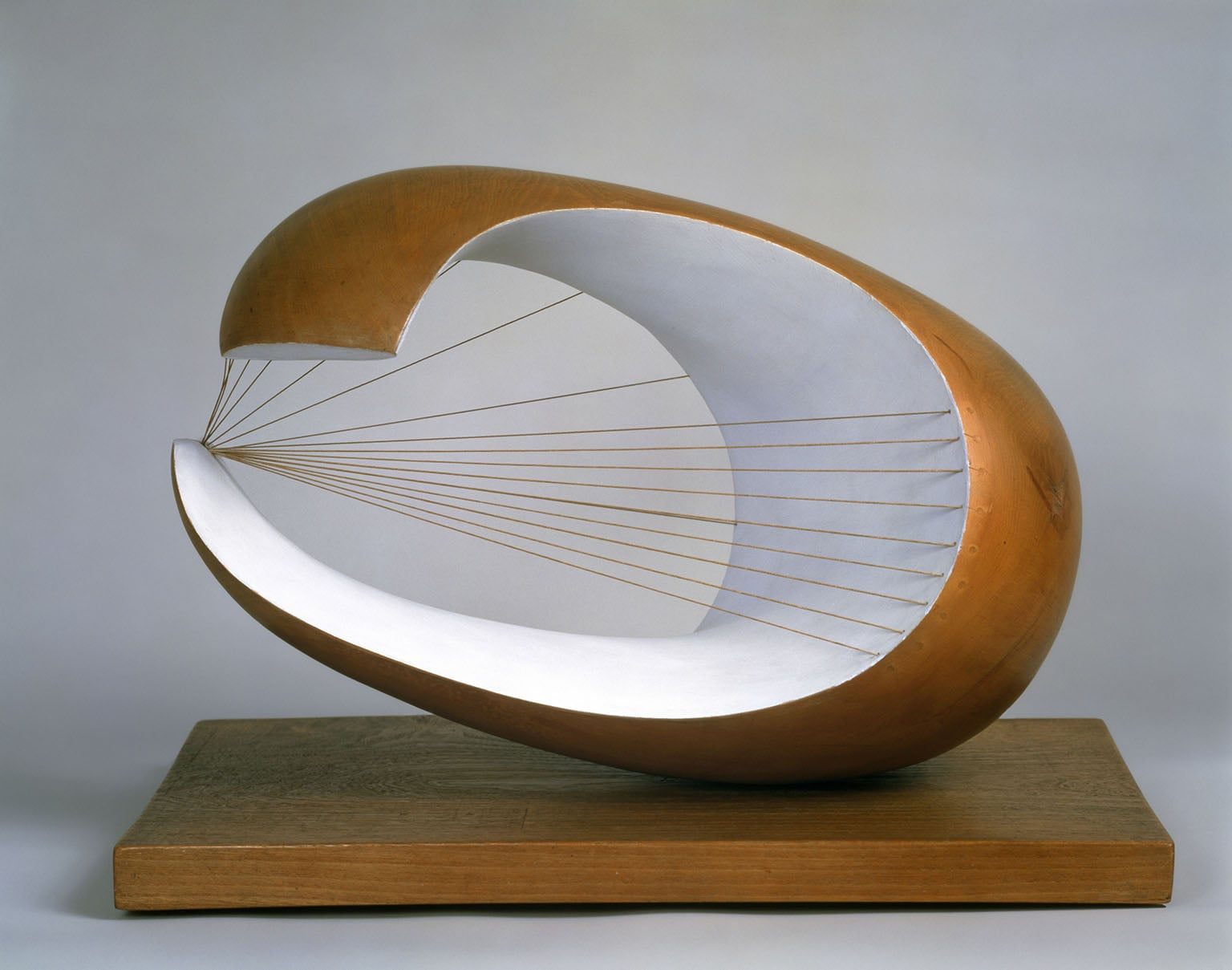 Wave, 1943 – 1944, Scottish National Gallery of Modern Art. On loan to Tate Britain. - © Bowness, Hepworth Estate. Photo: Antonia Reeve
