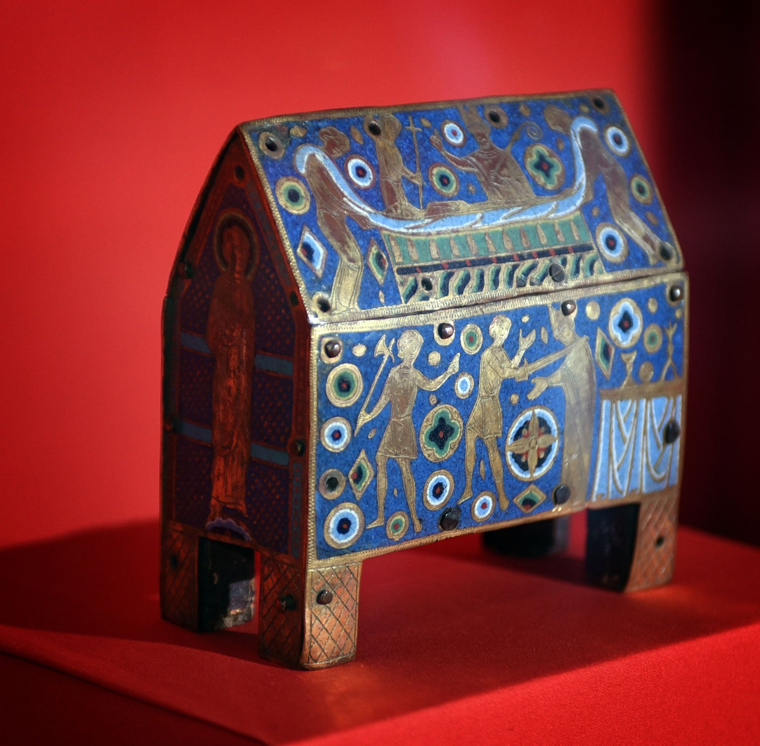 Champlevé enamel casket depicting the martyrdom of St Thomas Becket 13th century