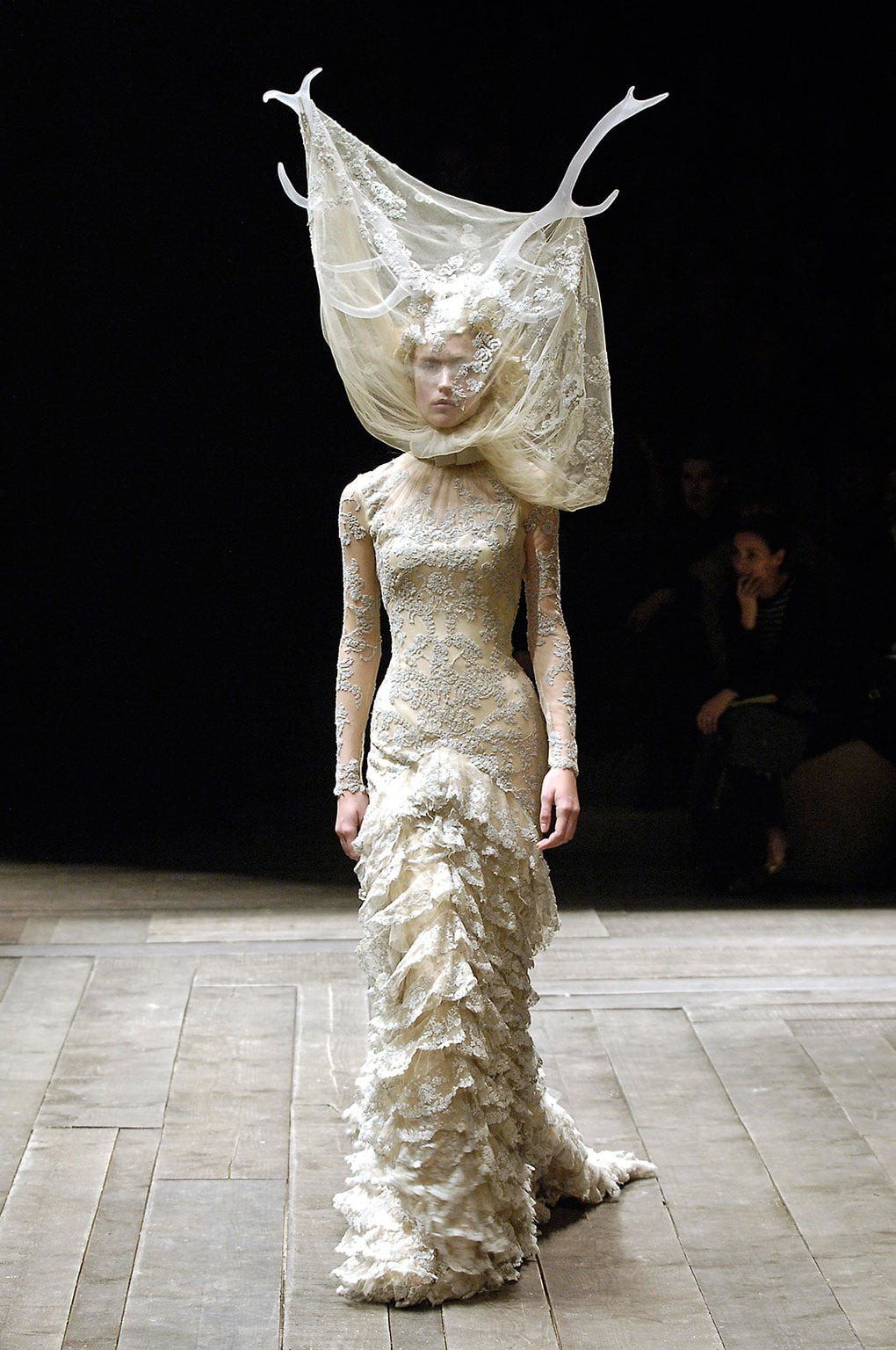 Alexander McQueen, Tulle and lace dress with veil and antlers Widows of Culloden, A/W 2006–07