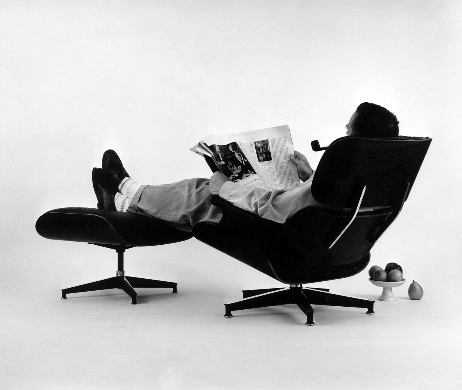 the world of charles and ray eames exhibition at barbican. Black Bedroom Furniture Sets. Home Design Ideas