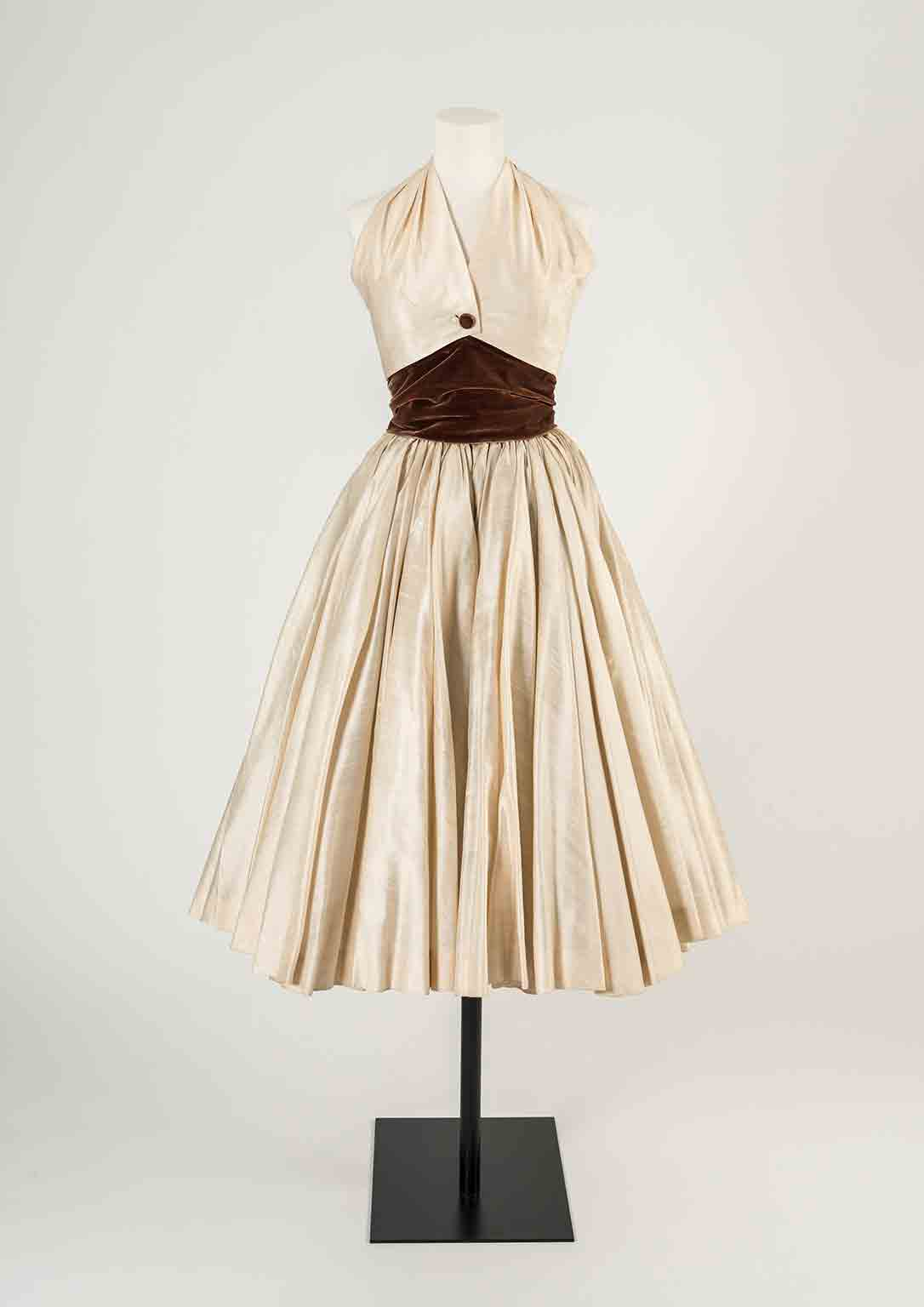 A History Of Fashion In 100 Objects Exhibition At Fashion