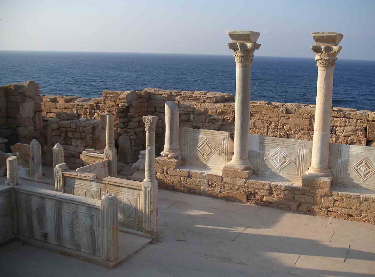 3. Storms, War and Shipwrecks: Treasures from the Sicilian Seas, Ashmolean Museum, 50% off with a National Art Pass - Byzantine Church ruin in Athrun, Libya. © Vincent Michel, French Archaeological Mission in Libya