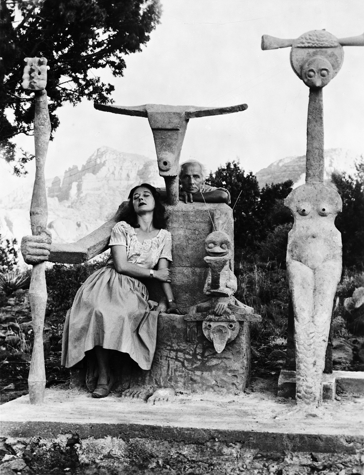 John Kasnetsis, Dorothea Tanning and Max Ernst with his sculpture, Capricorn, 1947