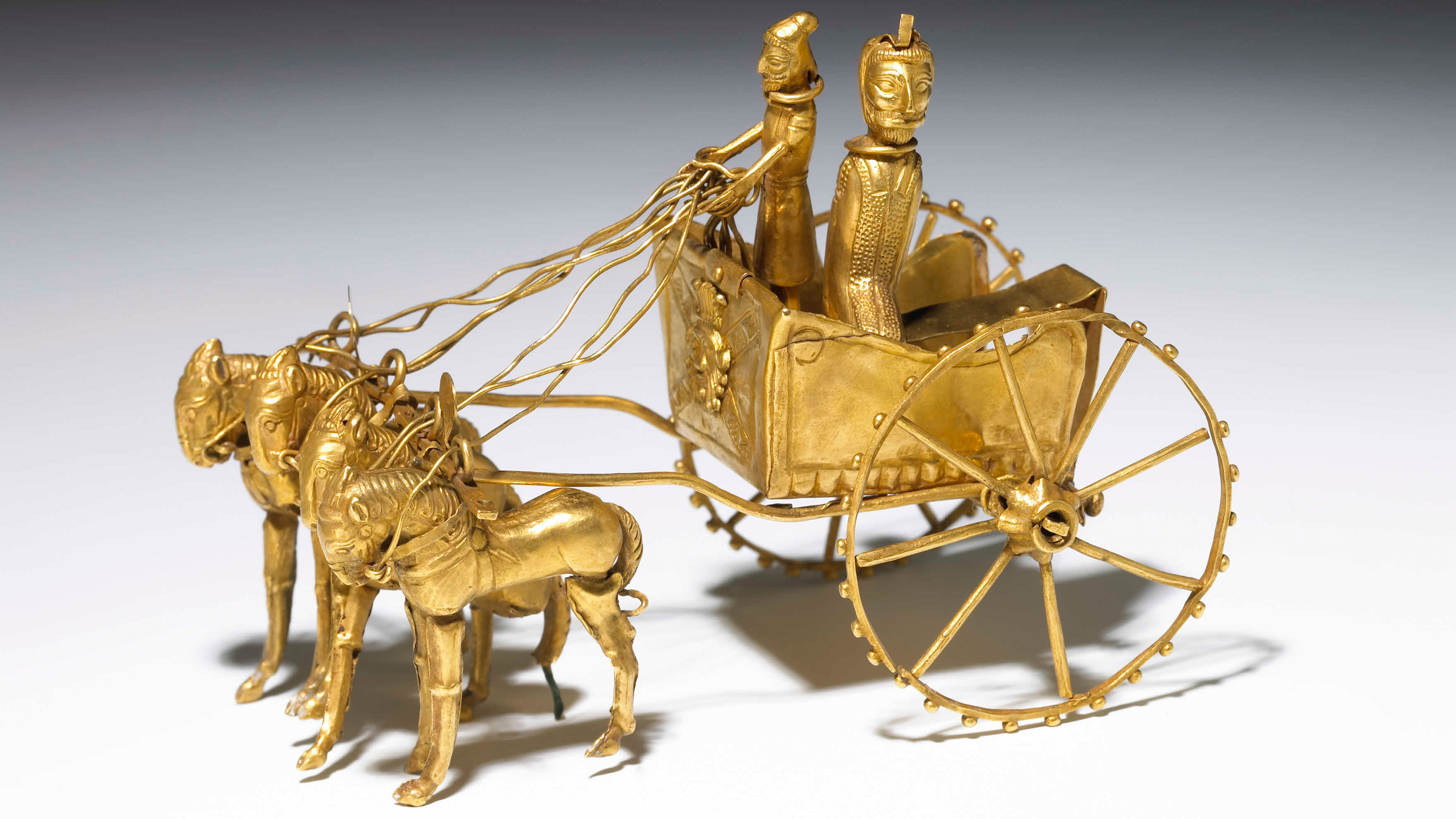 Gold model of a chariot, Tajikistan. 5th–4th century BC
