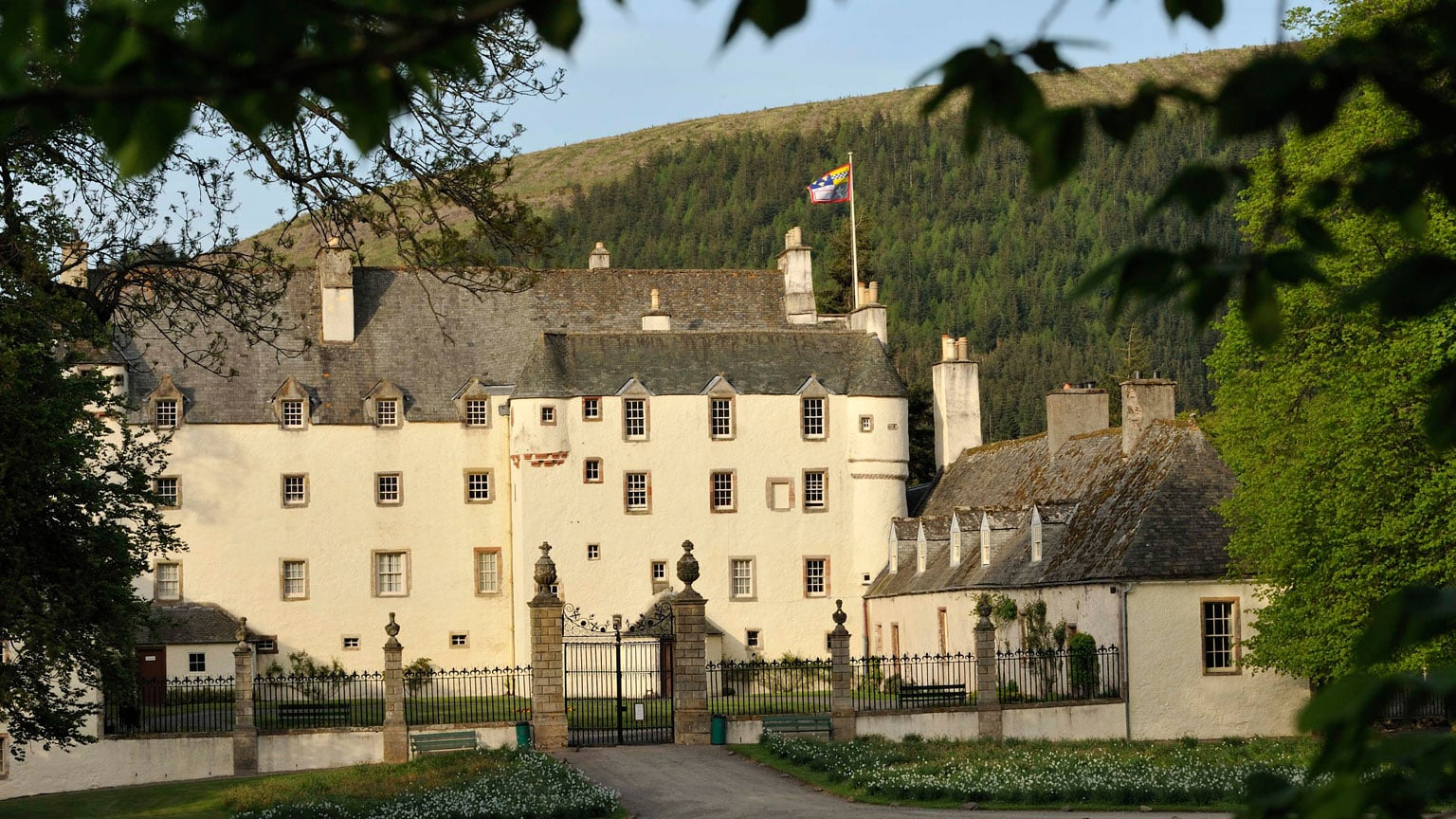 10. Traquair House, Borders - 2-for-1 entry with National Art Pass