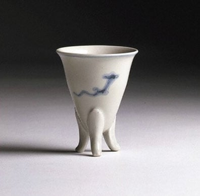 47 pieces of porcelain, stoneware and earthenware