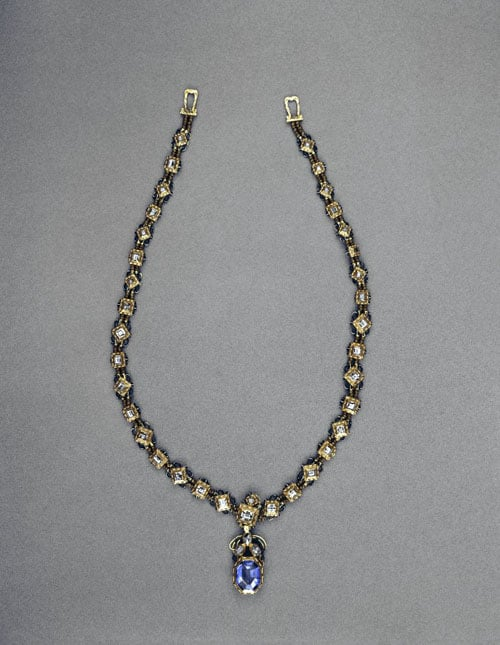 A jewelled necklace