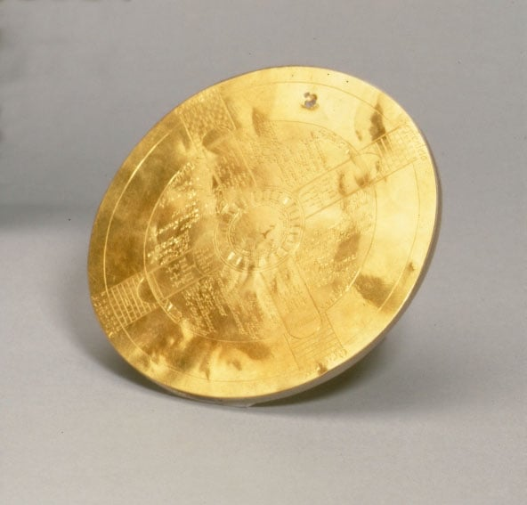 Engraved gold disc