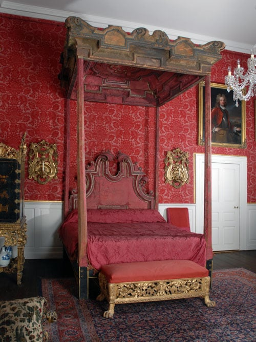 The Hinton House State Bed