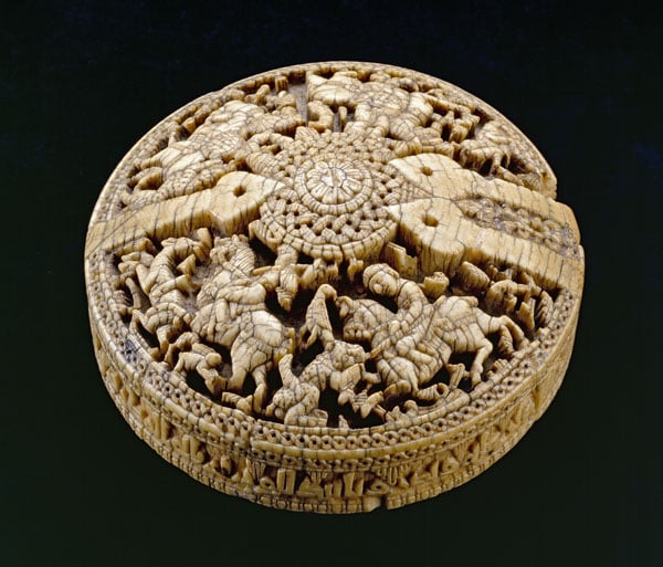 Lid of a Cordovan ivory box