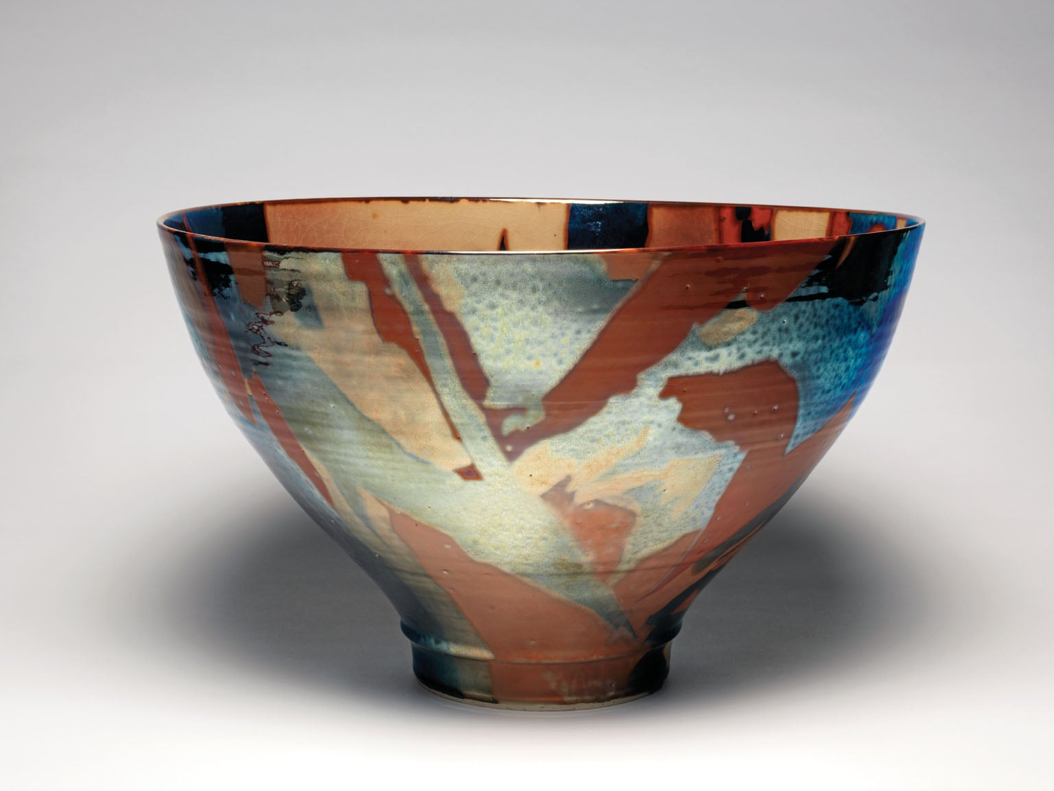 Bowl on high foot