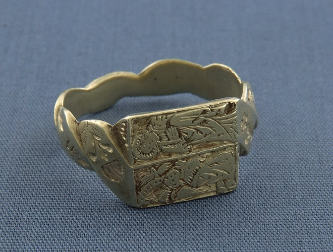 Finger Ring with Annunciation Scene