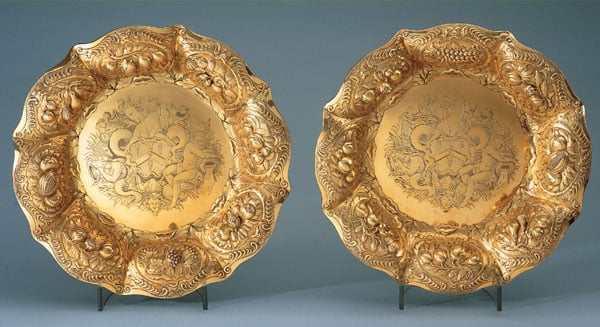 Pair of sideboard dishes