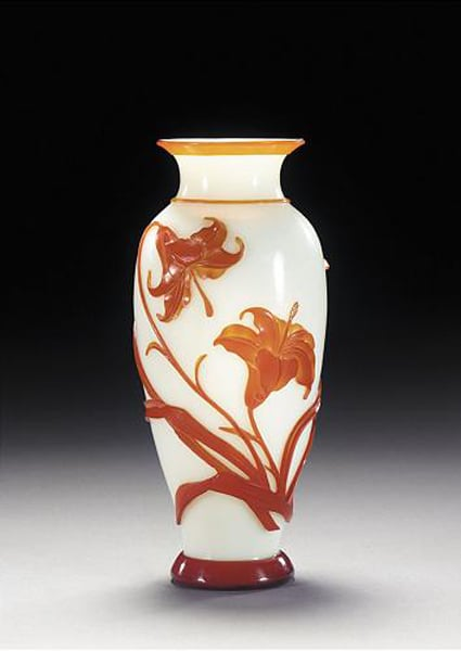 Glass vase with lily design