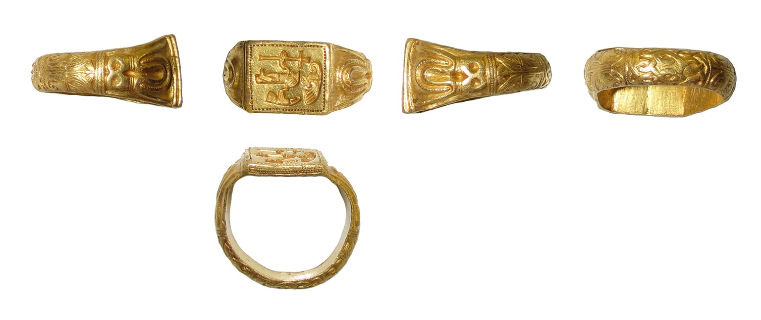 Gold signet ring from North-West Essex