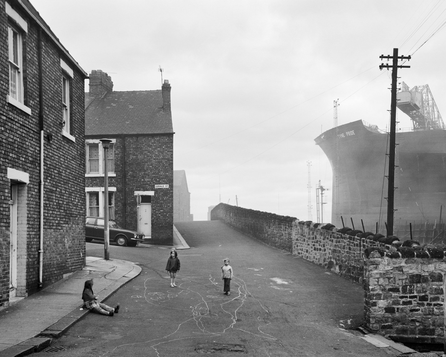 Wallsend Housing Looking East, 1975. Given by the artist in honour of all the shipyard workers of Tyneside, 2017